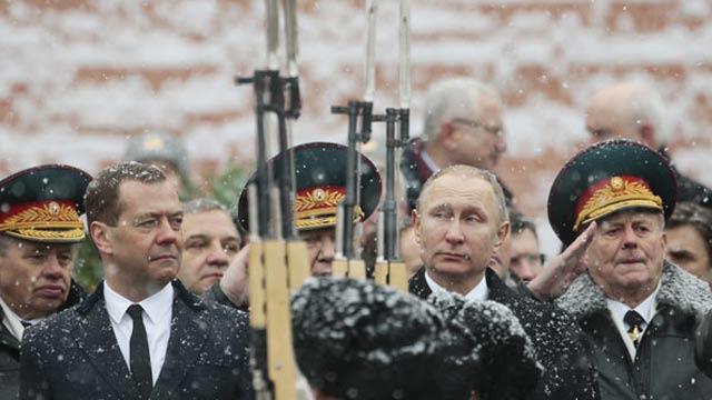 Rusya, Vatan Savunucuları Gününü kutluyor