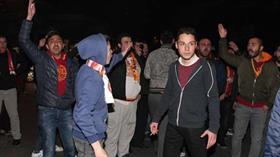 Galatasaray taraftarlarından Florya'da protesto