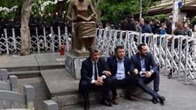 DHKP-C bağlantılı akademisyenleri protesto eden CHP milletvekilleri oturma eylemi yaptı