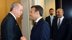 Macron'un Cumhurbaşkanı Erdoğan'a hayran bakışları