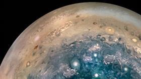 NASA: Jüpiter'in güney kutbunda Dünya büyüklüğünde dev fırtınalar var