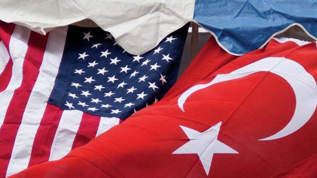 ANKARA'da bugün  bir araya gelen Türkiye ile ABD heyetleri tarafından  vize konusunda bir an önce normale dönülmesi ve  temasların sürdürülmesi konusu ele alındı.