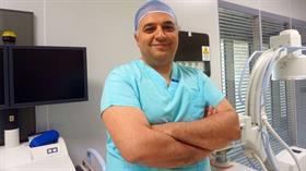 """""""Fil hastalığının çaresi yok dediler bizde var"""" Prof. Dr. Mehmet Veli Karaaltın yaptığı 26 ameliyatıyla tıp literatürüne girdi"""
