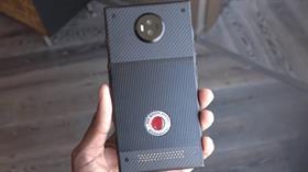 """Tarih verildi! RED Hydrogen One'nin geliştirdiği """"Holografik"""" akıllı telefondan yeni ayrıntılar"""