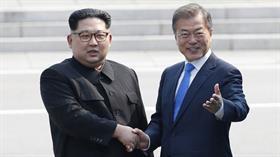 Tarihi an! Kuzey Kore ve Güney Kore liderleri bir araya geldi