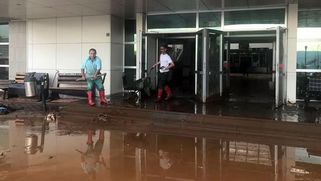 Giresun'da sağanak yağış sonrası hastaneyi su bastı