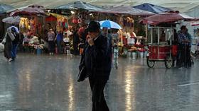 Sıcaktan kavrulan İstanbul'da sağanak etkisini devam ettiriyor