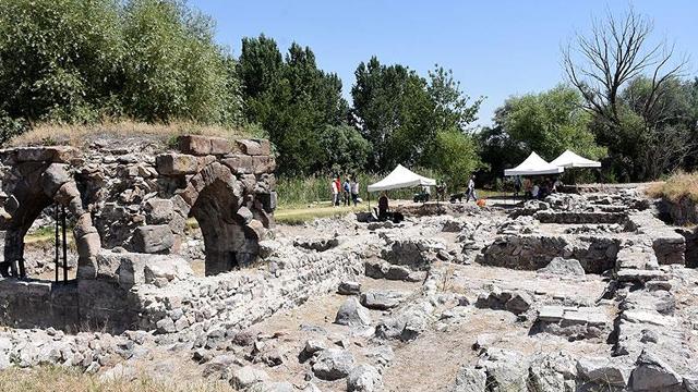 Moğolların yıktığı sarayın mimarisi ortaya çıkarılıyor