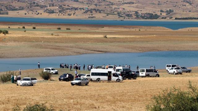 Diyarbakır'dan acı haber!  Göle giren anne ve 3 kızı boğuldu