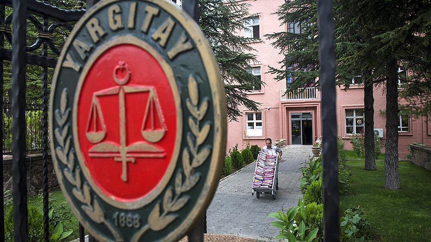 Yargıtay'dan iki emsal karar... Çalışanların eşleriyle dedikodu yaptı, sonuçları ağır oldu!
