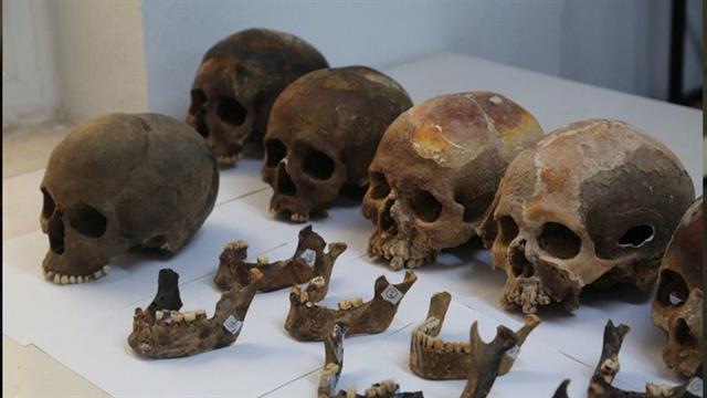 Kadıini Mağarasında binlerce yıllık toplu mezar bulundu
