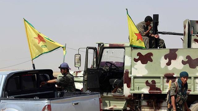 Terör örgütü YPG/PKK Deyrizor'da binlerce aileyi göçe zorluyor