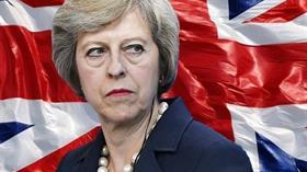 Theresa May'dan Brexit oylaması sonrası ilk yorum: Mart 2019'da Avrupa'dan ayrılıyoruz