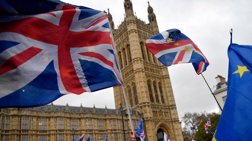 İngiltere'de 'anlaşmasız Brexit' kabusu