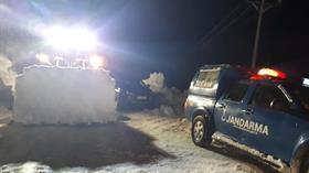 Karayolları Genel Müdürlüğüne göre kar ve tipi nedeniyle Türkiye genelinde 90 yol ulaşıma kapandı