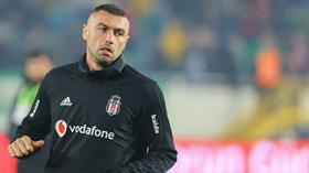 Beşiktaş taraftarı maç öncesi Burak Yılmaz'a 'Hırsız istemiyoruz' tezahüratı yaptı