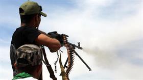 Haşdi Şabi Suriye'nin iç kesiminde terör örgütü DEAŞ'ı vurdu