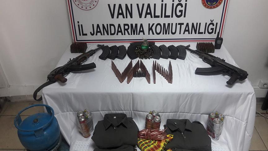 Van'da terör operasyonunda toprağa gömülü silah ele geçirildi