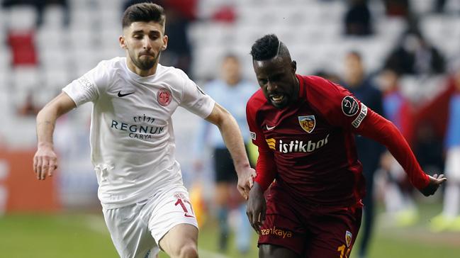 Kayserispor deplasmanda Antalyaspor ile 0-0 berabere kaldı