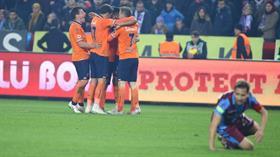 Medipol Başakşehir konuk olduğu Trabzonspor'u 4-2 mağlup etti