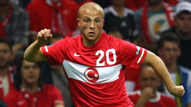 UEFA'dan Gökhan Töre'nin doğum gününü kutladı