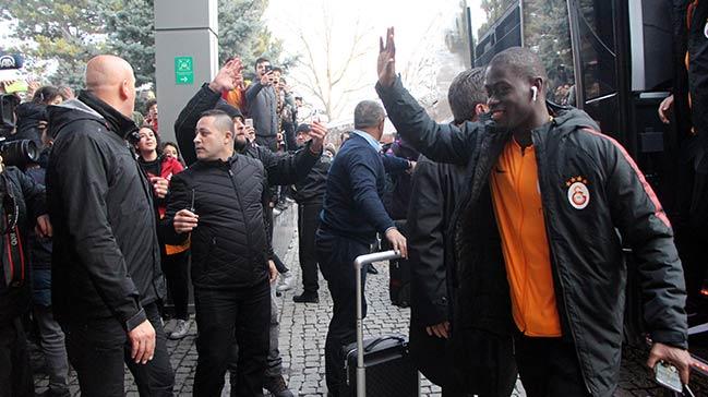 Galatasaray kafilesi Bolu'ya geldi