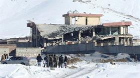 Afganistan'da Taliban'dan askeri üsse saldırı: 100'den fazla güvenlik kuvveti öldü