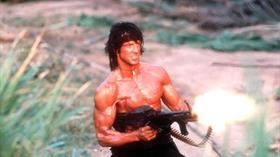 'Rambo' ve 'Gerçeğe Çağrı' filmlerinin Macar yapımcısı öldü