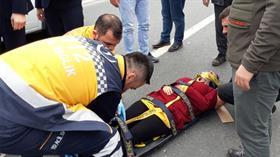 İstanbul'da genç kadın seyir halindeki araçtan yola atladı
