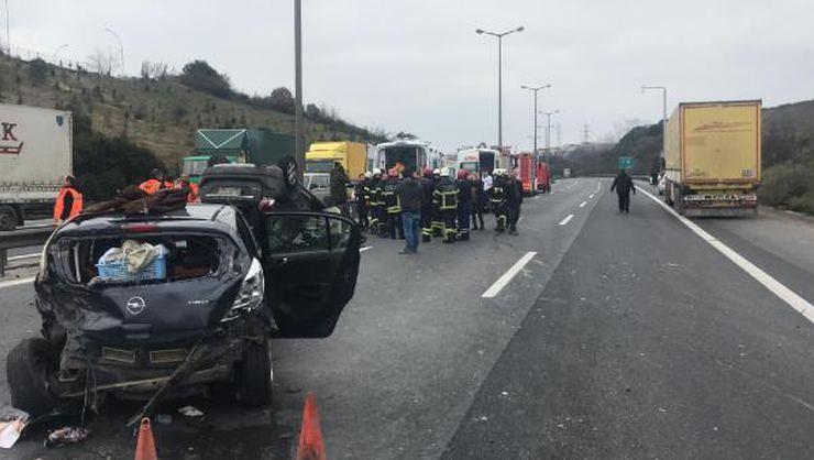 Kocaeli TEM'de kaza! İstanbul yönü ulaşıma kapandı