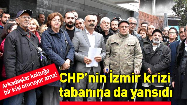 İzmir'de CHP önünde ilginç açıklama