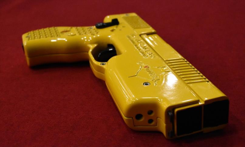 Milli elektroşok silahı Wattozz Malezya'da tanıtıldı