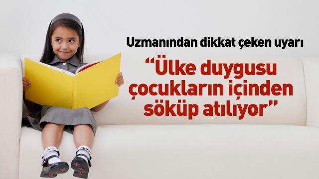 Yalvaç Ural: Ülke duygusu çocukların içinden söküp atılıyor
