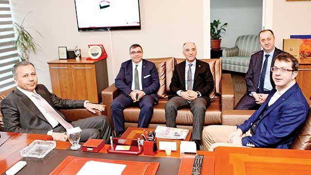 İstanbul Valisi'nden Turgay Güler'e ziyaret