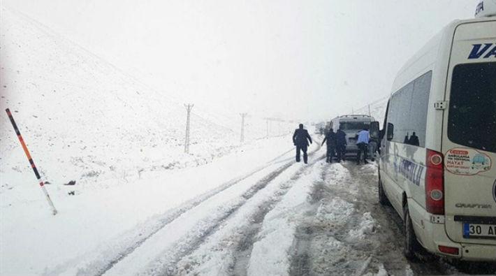Doğu Anadolu'da kış: 131 yerleşim yeri ulaşıma kapandı