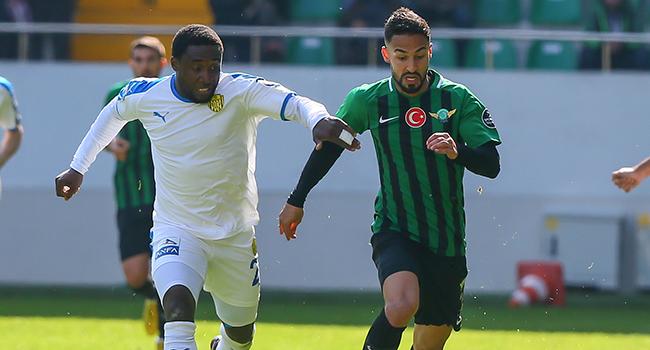 Akhisarspor ile Ankaragücü 0-0 berabere kaldı