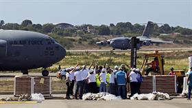 ABD'nin sözde insani malzeme taşıyan 'yardım uçakları' Venezuela sınırında