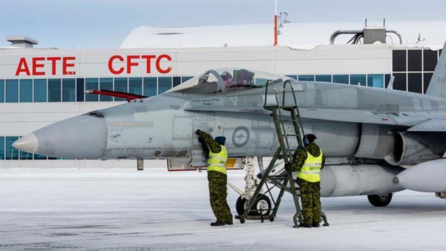 Kanada ilk 2 savaş uçağını teslim aldı