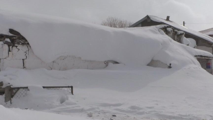 Kars'ta tipiden 23 köy yolu ulaşıma kapandı