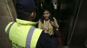 Asansörde kalanlar için özel kurtarma timi kuruldu