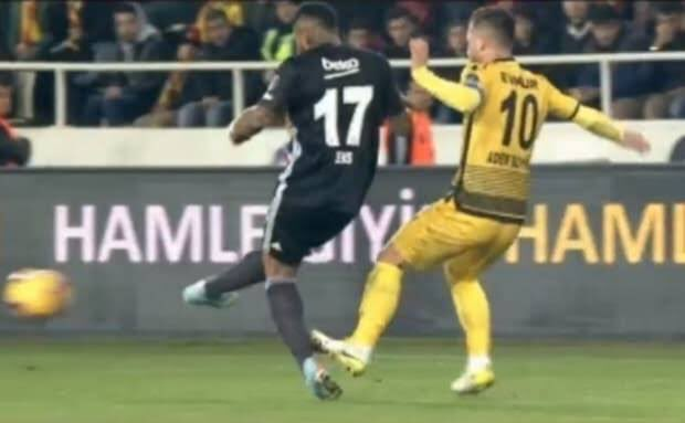 Adis Jahovic ve Adem Büyük'e 2 maç ceza