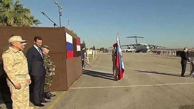 Putin'in Suriye ziyaretinde çekilen fotoğraf karesi Esed'in acziyetini ortaya koydu