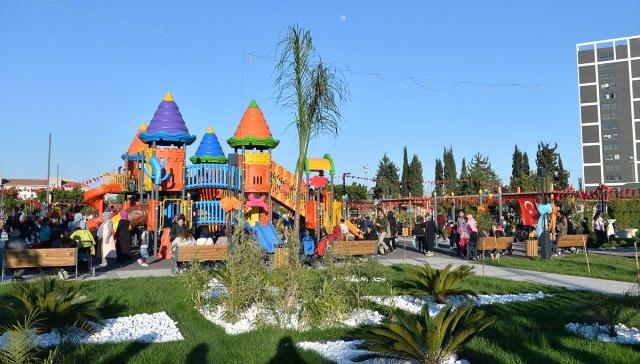 Görevlendirme yapılan Akdeniz Belediyesi toplu park açılışı yaptı