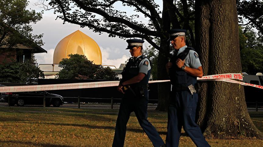 Yeni Zelanda'daki terör saldırısında şehit olan baba ve oğul toprağa verildi
