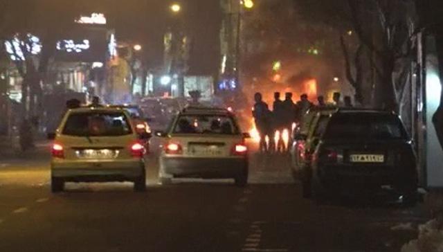 İran'daki 'Çarşamba Suri' kutlamalarında 4 kişi öldü, bin 962 kişi de yaralandı