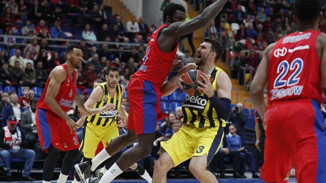 Fenerbahçe, CSKA Moskova'ya maçın son bölümlerinde boyun eğdi
