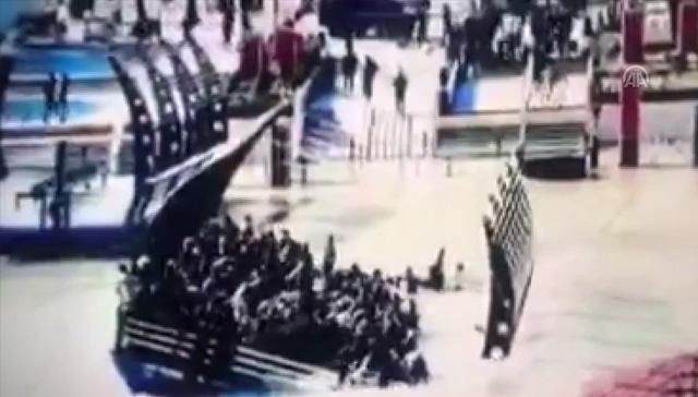 Musul'daki feribot faciasında onlarca kişi hayatını kaybetti