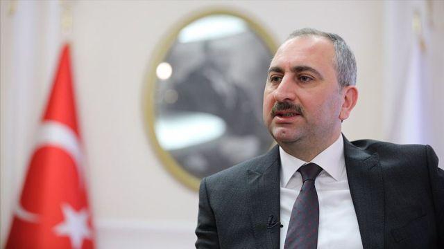 Adalet Bakanı Gül'den 'Karadzic' mesajı