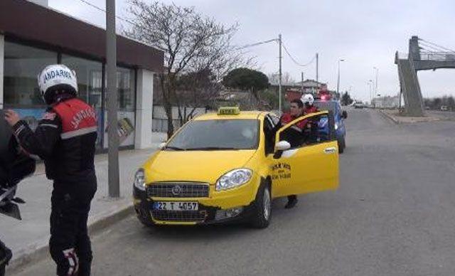 Edirne'ye giden taksiye kaçak göçmen operasyonu