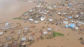 İran'nıın Türkmen Sahra bölgesindeki sel felaketi hayatı felç etti